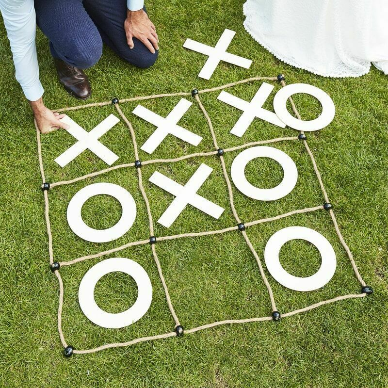 Noughts & Crosses Garden Game